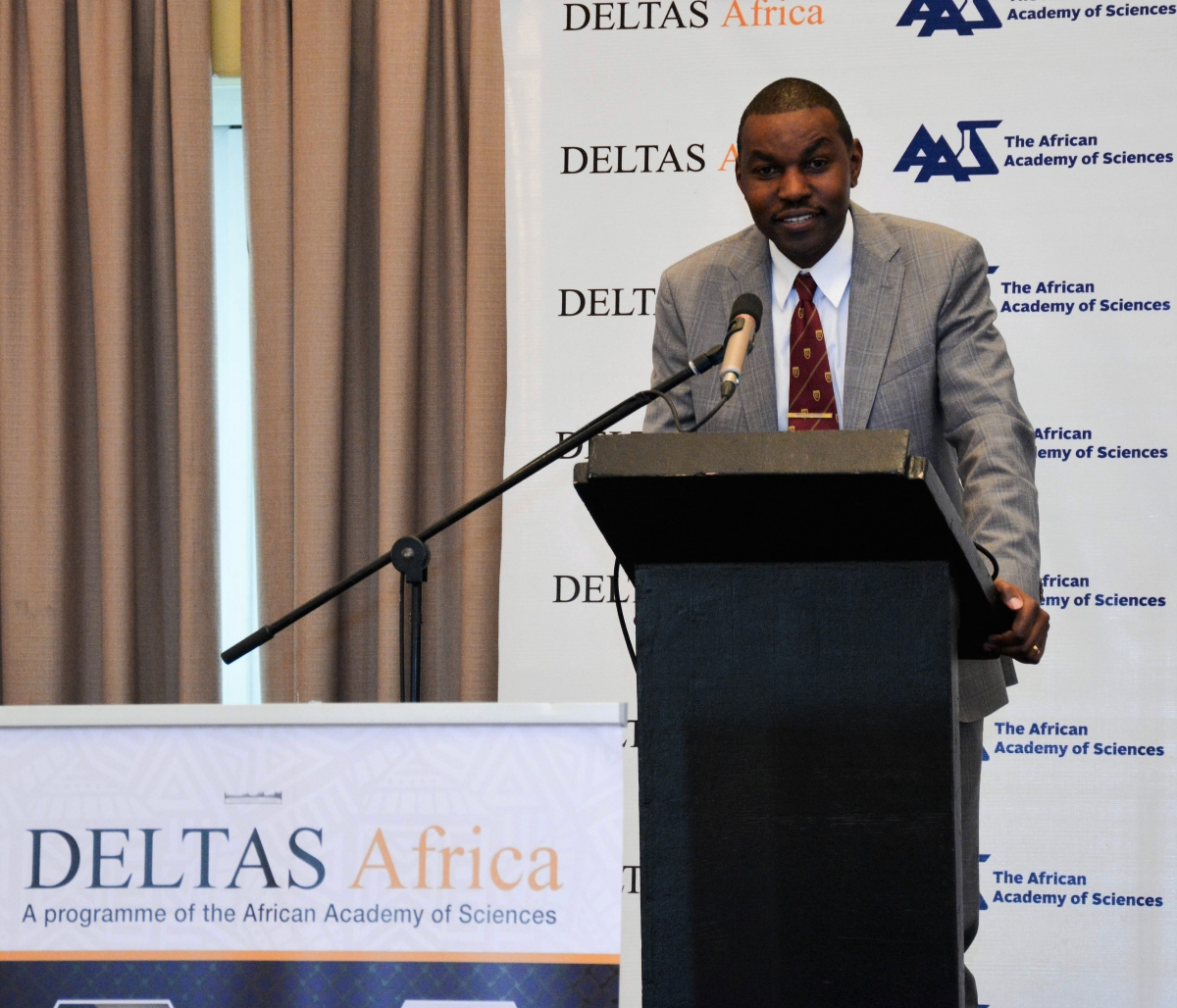SANTHE Programme Director, Professor Thumbi Ndung'u, reports on SANTHE's progress at DELTAS Africa.